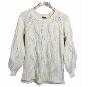 Vince Camuto Soft Cable knit sweater
